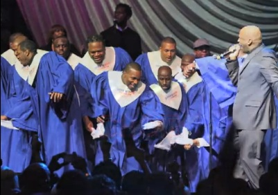 the-nfl-players-choir-at-the-super-bowl-gospel-celebration-in-2012