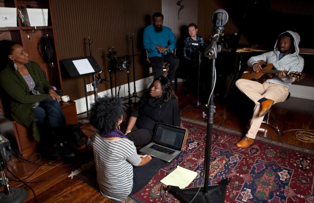 foreverJONES - group - studio_20130320