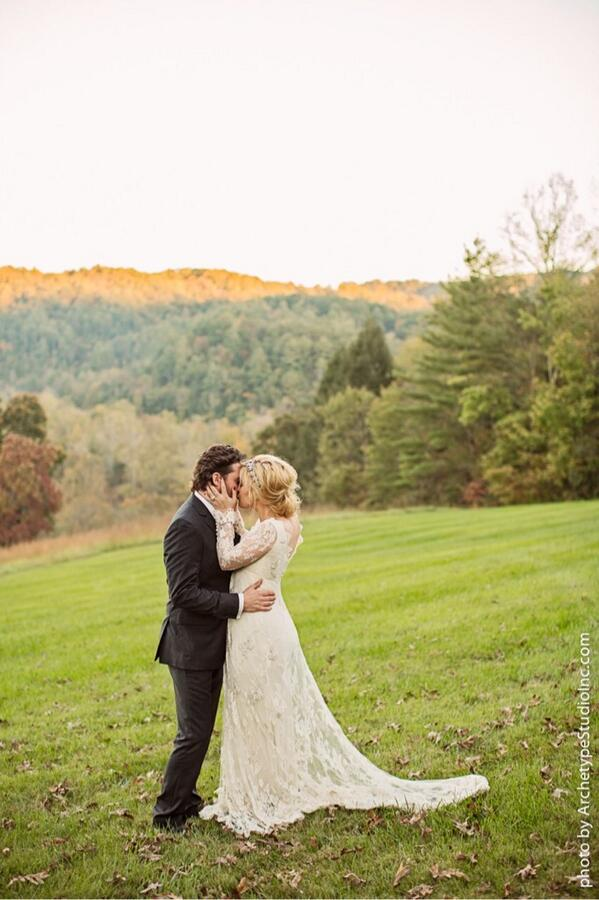 kellyclarkson_wedding_10212013-2