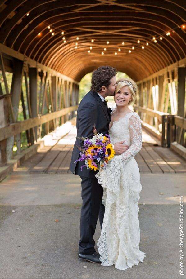 kellyclarkson_wedding_10212013