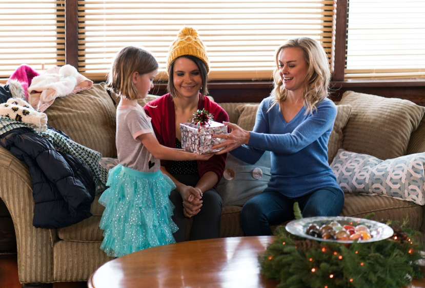 "Christmas Calendar Movie : Movie review ""christmas calendar btscelebs"